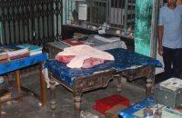 গৌরনদী সাব-রেজিষ্টার অফিসে ছাত্রলীগের   হামলা, আহত-৫